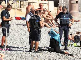 Nice polisi plajda burkinili kadın avında